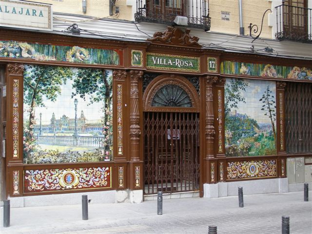 straatbeeld Madrid, azulejo's
